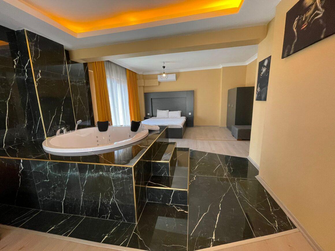 Jakuzi Gold Suite